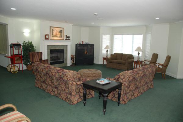 Green Tree - Sand Springs, OK - Fireplace Lounge