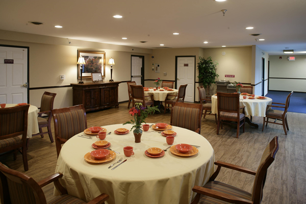 HarborChase of Sterling Heights, MI - Dining Room
