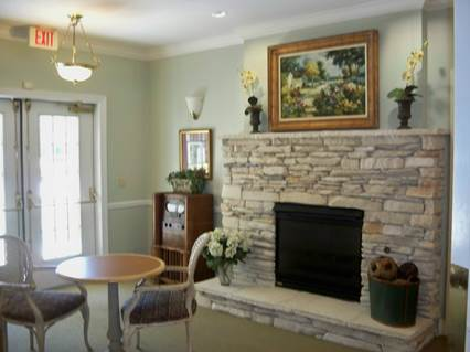 HarborChase of Tallahassee, FL - Fireplace Lounge