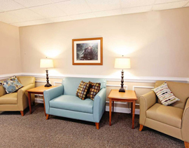 Commonwealth Assisted Living at Front Royal - Front Royal, VA - Lounge