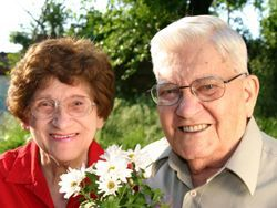 Elderly couple enjoying life at Courtyard Estates in Pleasant Hill, IA