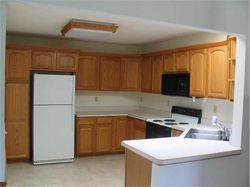 Garnett Place - Cedar Rapids, IA - Kitchen