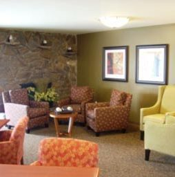 Hawthorne Court - Kennewick, WA - Lounge