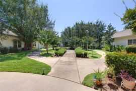 Knollwood Pointe - Mobile, AL - Courtyard
