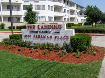 Landing at Behrman Place - New Orleans, Louisianna - Entrance