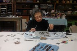 MorningSide of College Park - Indianapolis, IN - Jewelry making class