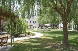 Orchard Park - Clovis, California - Courtyard