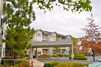 Pacifica Senior Living Country Crest - Oroville, CA - Exterior