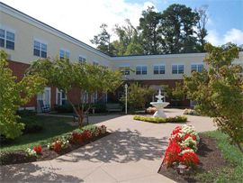 Pacifica Senior Living Virginia Beach, VA - Courtyard