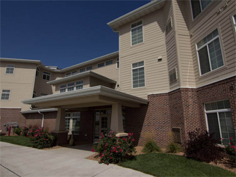 Whispering Creek Active Retirement Communities - Sioux City, IA - Exterior
