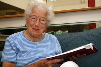 Saratoga Grove - Downers Grove, IL - Resident Reading