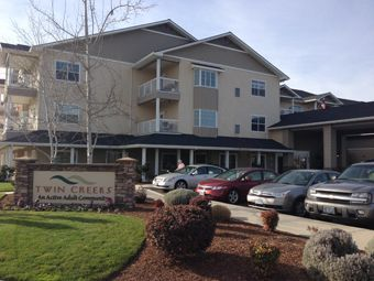 Twin Creeks Retirement - Central Point, OR - Exterior