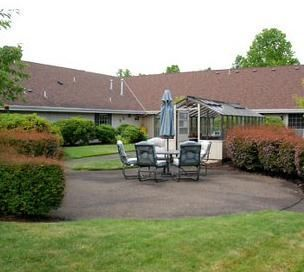 Brookdale Grand Prairie -Albany-OR-Patio