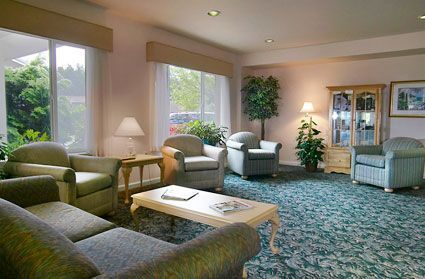 Oceanview Senior Living - Newport, OR - Living Room 2