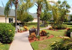 Brookdale Tequesta II - Tequesta, FL - Courtyard
