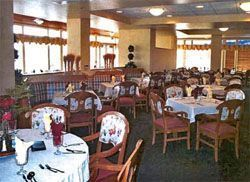 Hillside Retirement Community - McMinnville, OR - Dining Room