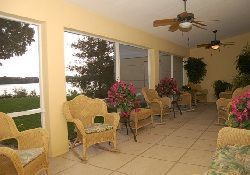 Brookdale Beckett Lake - Clearwater, FL - Indoor Porch