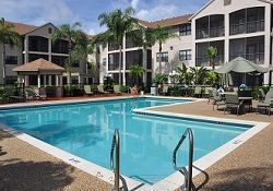Brookdale Margate, FL - Exterior Swimming Pool