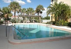 Brookdale Fort Myers Cypress Lake - Fort Myers, FL - Pool