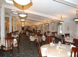 Woodside Senior Living - Bedford, OH - Dining Room