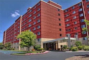 Imperial Senior Suites - Southfield, WI - Exterior
