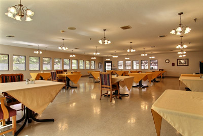 Kindred Nursing and Rehabilitation – Valley View - Elkhart, IN - Dining Area