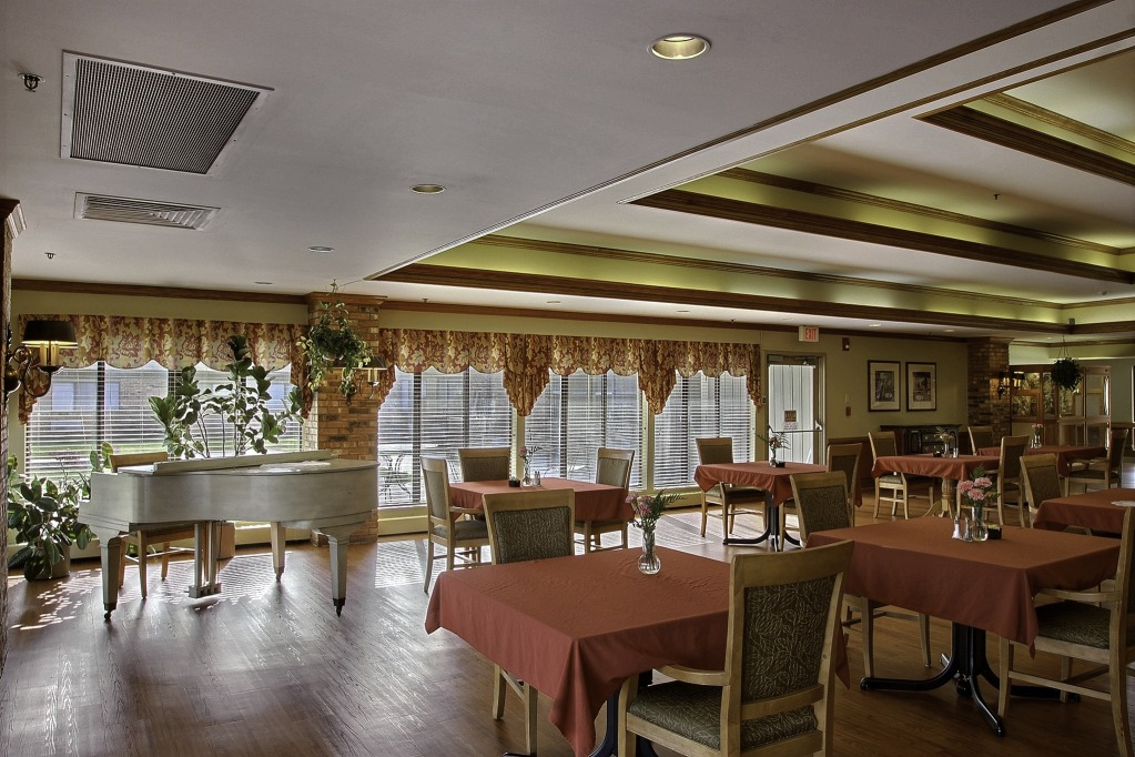Kindred Transitional Care and Rehabilitation - Greenfield, IN - Dining Room