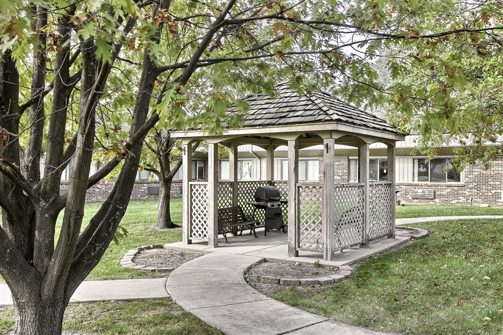 Kindred Transitional Care and Rehabilitation - Greenwood, IN - Gazebo