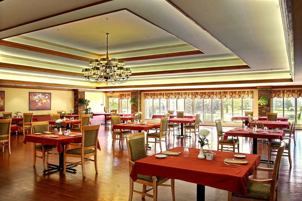 Kindred Transitional Care and Rehabilitation - Greenwood, IN - Dining Room