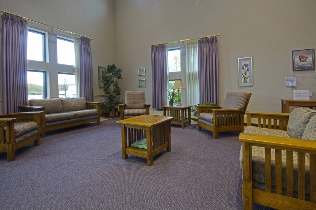 Kindred Transitional Care and Rehabilitation - Stratford - Glenwillow, OH - Lounge