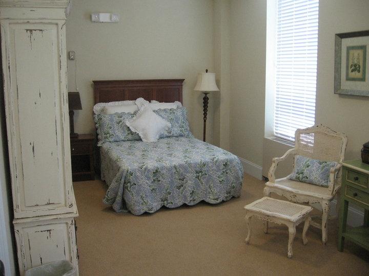 Lakewood Place - Loudon, TN - Apartment Bedroom