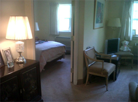 Lamplight Inn of Baltimore, MD - Apartment Bedroom