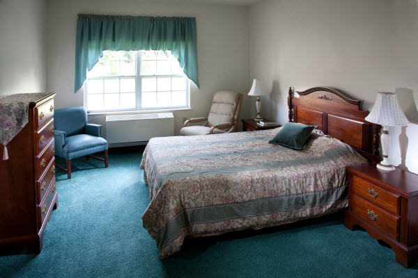 Lenoir Assisted Living - Pink Hill, NC - Bedroom