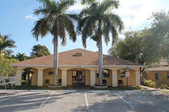 Lighthouse Inn North Assisted Living - Pompano Beach, FL - Exterior