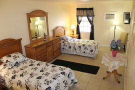 Lighthouse Inn South Assisted Living - Pompano Beach, FL - Bedroom