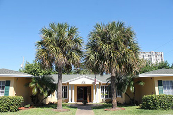 Lighthouse Inn South Assisted Living - Pompano Beach, FL - Exterior