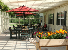 Manorhouse Assisted Living - Knoxville, TN - Courtyard