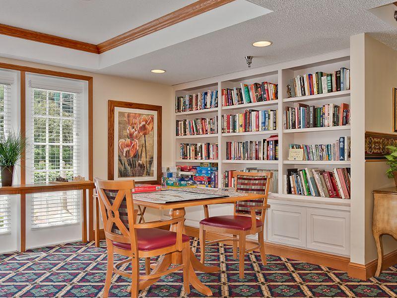 Meridian Manor - Wayzata, MN - Library