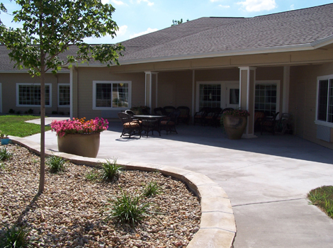 Mill Creek Alzheimer's Special Care Center - Springfield, IL - Courtyard