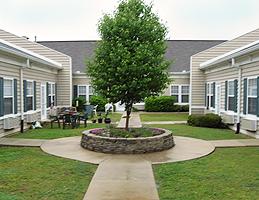 Morningside of Decatur, AL - Courtyard