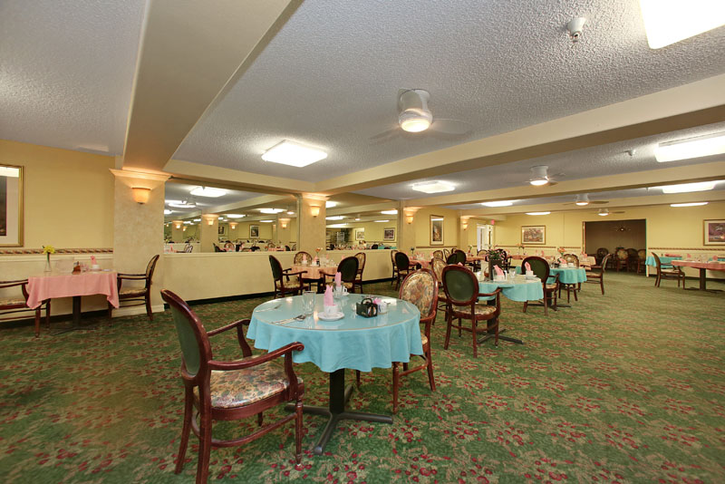 Mountview - Montrose, CA - Dining Room