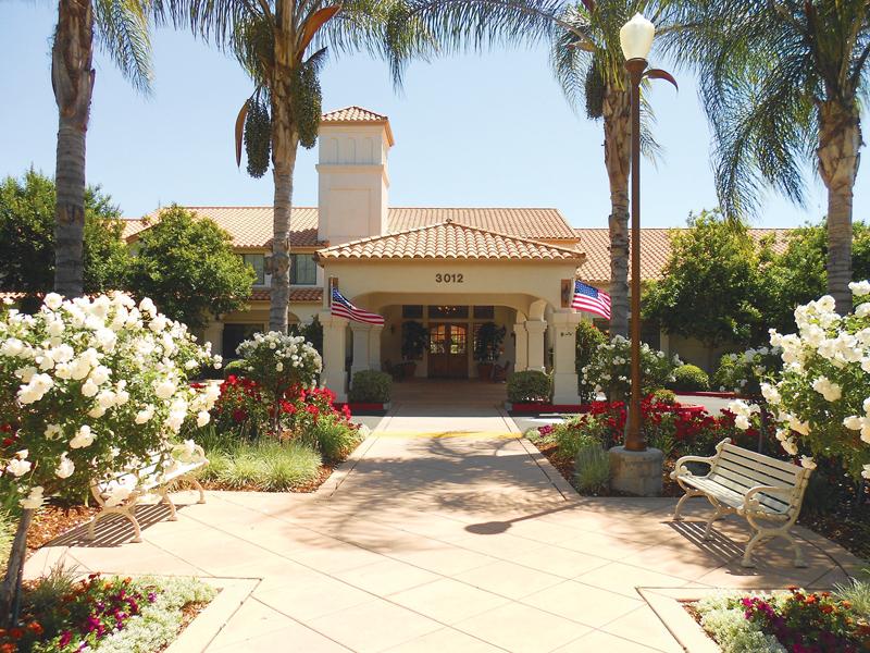 Oakmont of Escondido Hills - Escondido, CA - Exterior