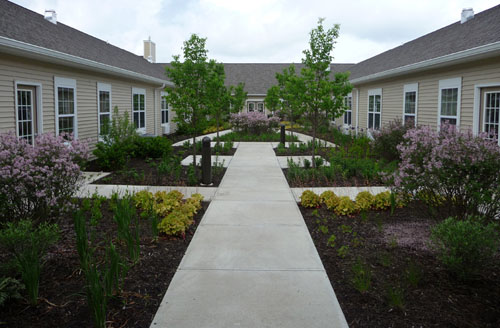 Park Place Senior Living - Fort Wayne, IN - Courtyard
