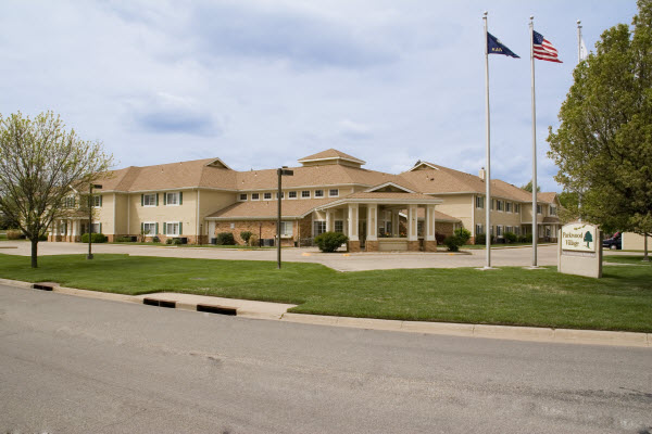 Parkwood Village - Pratt, KS - Exterior
