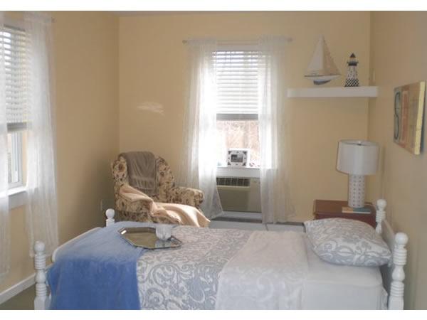 Peregrine's Landing at the Shoreline - Clinton, CT - Bedroom