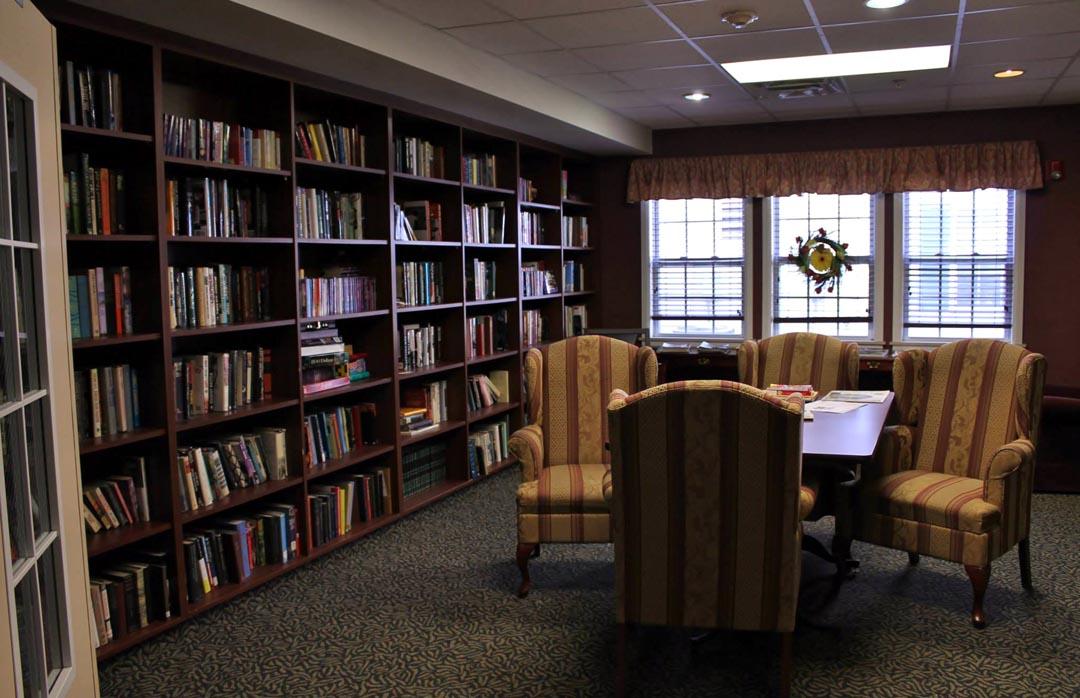 Peregrine's Landing Senior Community - Cheektowaga, NY - Library