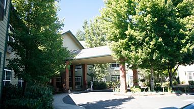 Cedar Crest Alzheimer's Special Care Center - Tualatin, OR - Exterior