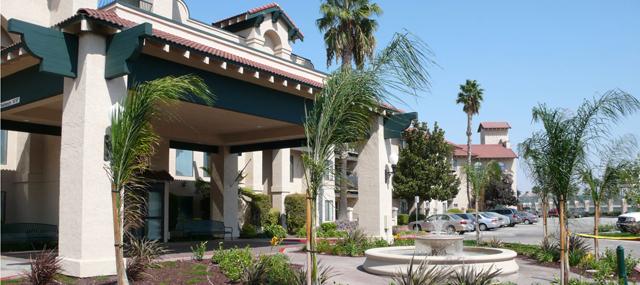 Rio Las Palmas - Stockton, CA - Exterior