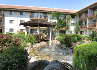 Roseville Commons, CA - Courtyard