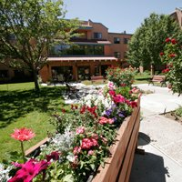 Senior Star at Las Colinas Village - Albuquerque, NM - Rose Garden